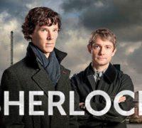 Sherlock : son chapeau, sa pipe, son smartphone.