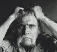 «Crève, Ducon !» : le chant du singe de François Cavanna